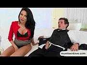 Порно мать присоединилась к сексу дочери