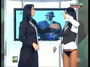 Goluri si Goale ep 9 Miki si Roxana (Romania naked news)