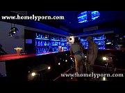 Follando en publico en la barra de un bar da mas morbo GUI0308