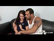жена сидит на коленях мужа порно