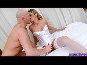 Жена показывает мужу импотенту как надо трахаться