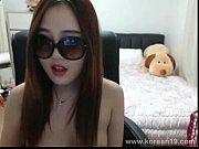 Девушка с большой грудью дрочит член видео онлайн