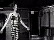 Торчащие соски женщин в быту фото