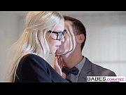 Порно онлайн hd миньет от взрослой блондинки