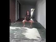 Novinha dan&ccedil_ando funk e mostrando a buceta