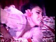 Видео девушки с красивыми кисками стоят раком