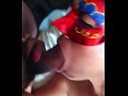 Мачеха показала пасынку свою пизду