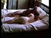 девка показывает оргазм