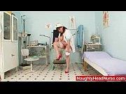 гламурной девушке лижут парни видео