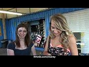 Красивое порно в душе с двумя девушками