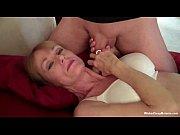 смотреть женскую мастурбация перед компом