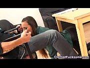 порно зрелая медсестра играет в бильярд