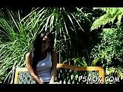 Красивый секс с азиаткой на пляже видео