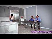 дома голая семья видео