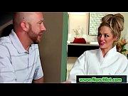 просмотр онлайн видео порно очень красивая девушка соблазняет парня