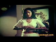 xxxmaal.com-hot saree and blouse strip