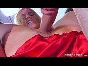 Порно решил трахнуть жену когда она кушала
