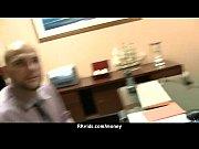 Смотреть русская мать заставляет дочь лизать ей пизду