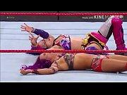 Sasha Banks takes Asuka to the limit.