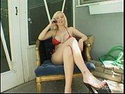 who is she? // &iquest_qui&eacute_n es ella? // name/nombre