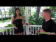 смотрет видео девушка заставляет парня сосат пизду
