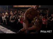 Хуяндекс показать видео крупным планом в мини бикини