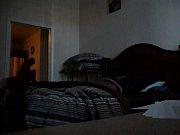 У спящей мамы вывалились сиськм видео