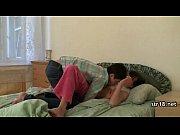возбуждает спящего порно онлайн