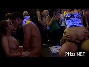 порно ролики парень трахает мать девушки