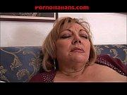 mamma troia grassa ninfomane scopa con figlio dotato.