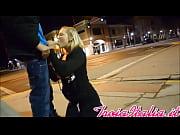 Ubriaco bionda bambina sorella vuole pompino in intersezione la notte