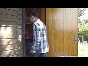 Порно видео смотреть девка с двумя членам у себя