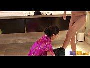 Смотреть видео мужик кончил во время массажа