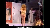 Jennifer Hawkins Loses Dress
