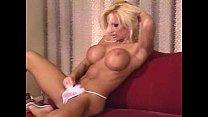 Very sexy striptease Thumbnail