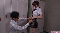 ดูหนังxอย่างน่ารักเลยเธอคนนี้โดนเพื่อนชายมารุมเย็ดในห้องเปลี่ยนเสื้อผ้า