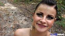 Alicia, bruyante cochonne enculée dans les bois [Full Video]
