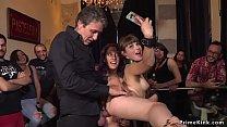 ปาร์ตี้ฉลองปีใหม่พาเมาแล้วเย็ดสาวกลางงานจับกระแทกหีท่าหมาซอยไม่ยั้งเงี่ยนดีจริงๆ