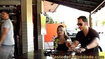 Videos de Sexo Atriz loira linda enfiando cacete na buceta apertada da linda peituda