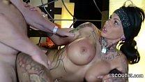 Deutscher Tattoo Star Kitty Core bei privaten G...