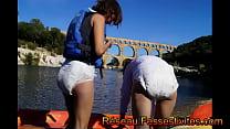 Лезбиянки снимают одежду и ласкают смотреть онлайн