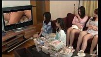 Japonesas assistem porno lesbico