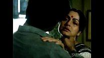 Rakhee Love Making Scene - Paroma - Classic Hin...