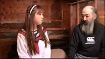 Japonesa coje con varios indigentes