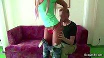 Daddy fickt die geile Freundin seiner Tochter