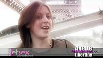 exhibition a Paris, baise trio sur la Seine bat...