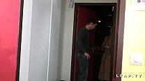 Casting anal amateur brunette francaise defoncee et fistee meme avec le pied
