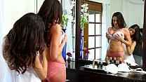 Mommy's Girl - Veronica Rodriguez, Ariella Ferrera