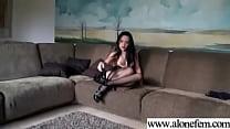 Amteur Sexy Girl Having Sex Toys Pleasure On Ca...