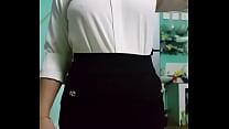 ซ่อนกล้องในเสื้อ แอบถ่ายเมียตอนเปลี่ยนเสื้อผ้าก่อนไปทำงาน สาวออฟฟิสนี่ช่างมีอะไรน่าสนใจจริงๆ